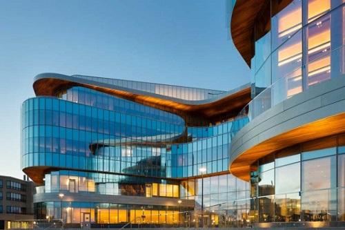 Kellogg School of Management glass building